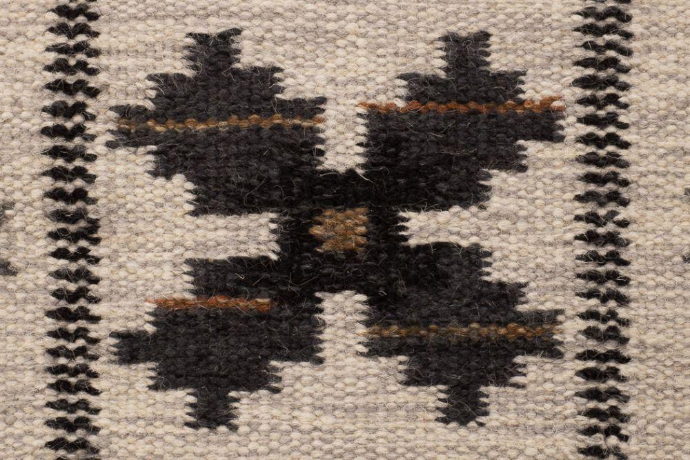 Floda svart 200x300