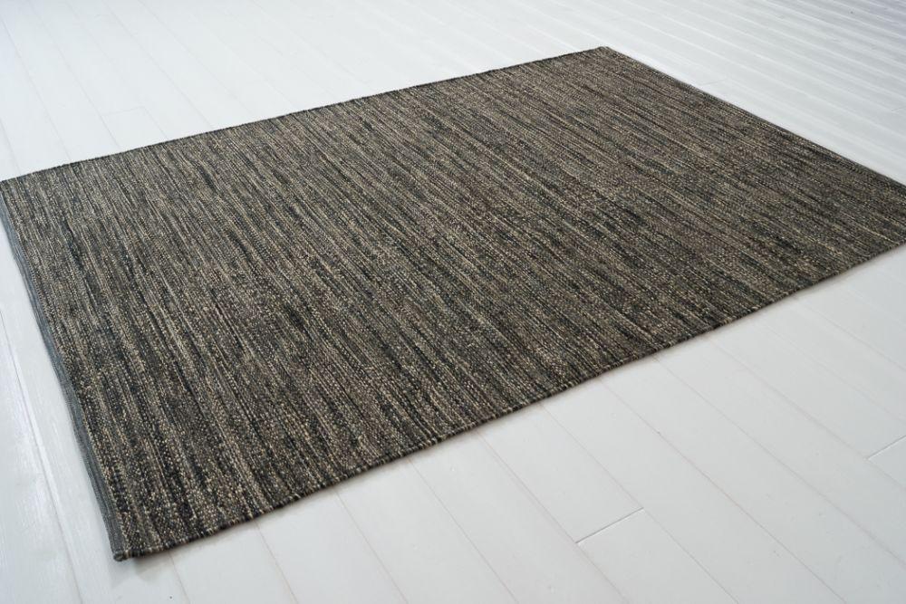 Sindra svart  140x200