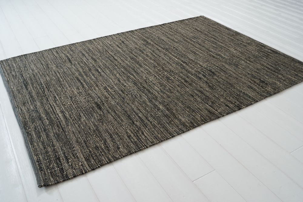 Sindra svart  170x240