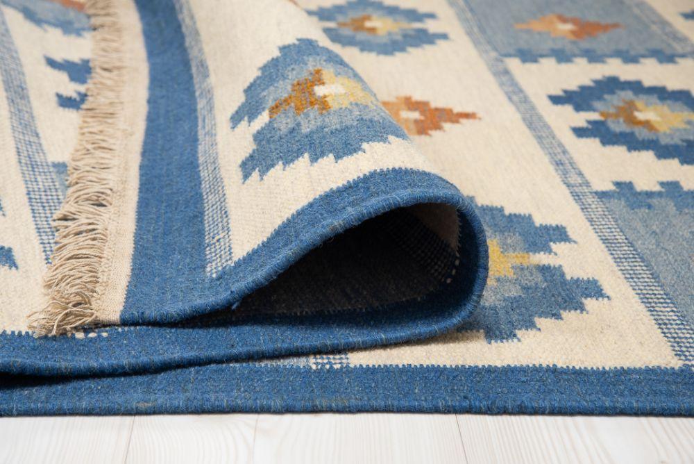 Birka Blue 160x230